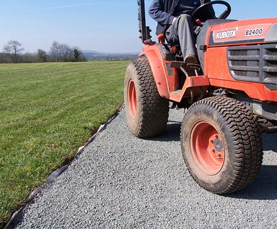 StableDRIVE – heavy duty porous paving