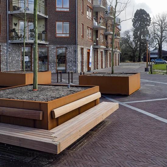 hug a tub tree planter benches streetlife esi external works. Black Bedroom Furniture Sets. Home Design Ideas