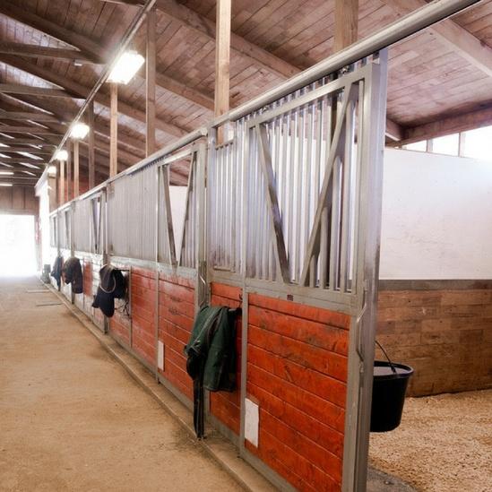 Series 70 sliding door gear in stables