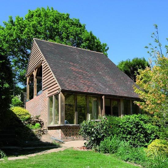 Oak framed garden rooms offices round wood of mayfield for Oak garden office