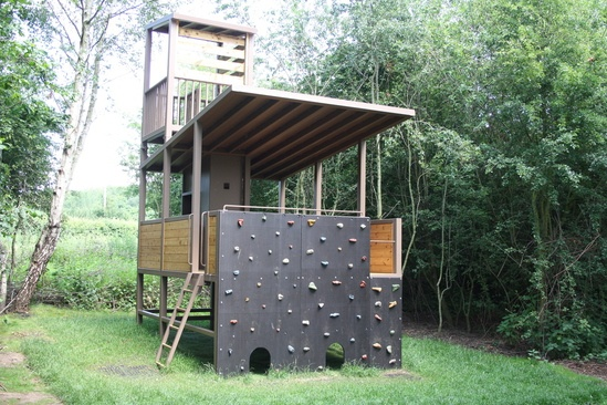 Treehouse, freestanding, steel structure