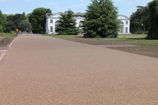 Resin-bound surfacing for Broad Walk, Kew Gardens