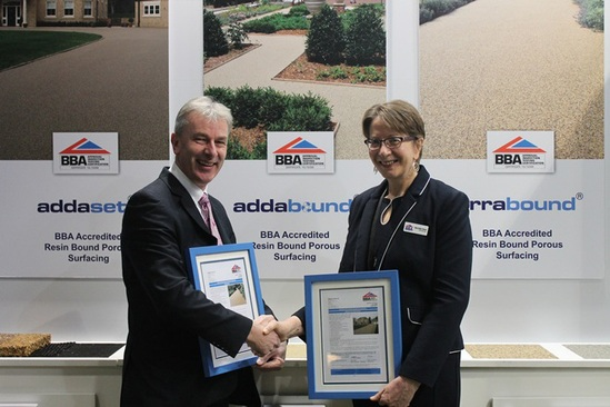 Robert Critchley receives BBA certificate at Ecobuild