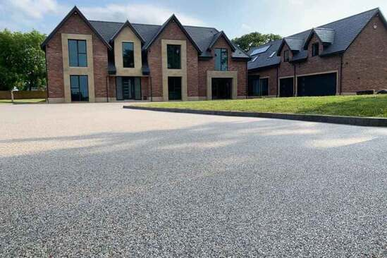 Stonebound resin surfacing for a driveway in Cheshire