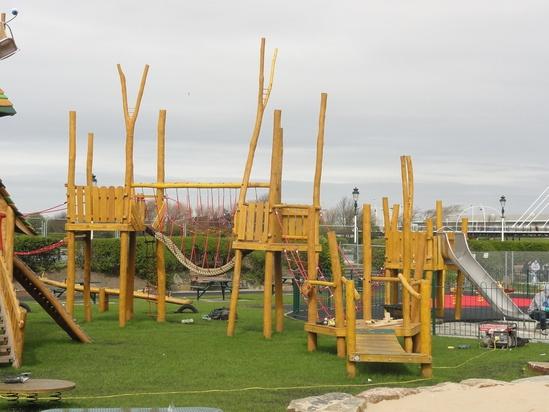 Bespoke Multi play unit for Kings Garden, Southport