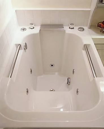 Imersa Japanese Style Deep Soaking Tub Design Form