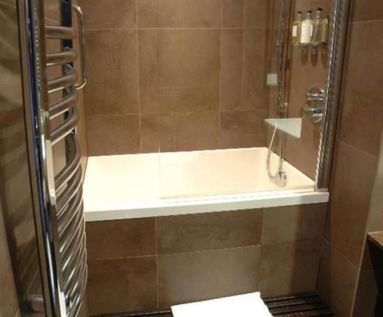 Calyx 1230 Japanese Style Deep Soaking Bath Tub Design