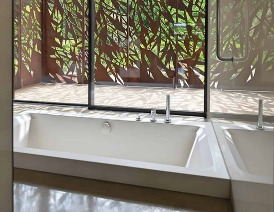 Serenity built-in bath from Cabuchon