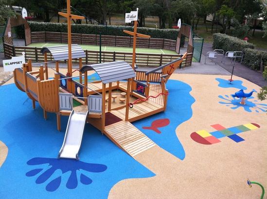 Play boat playground surfacing