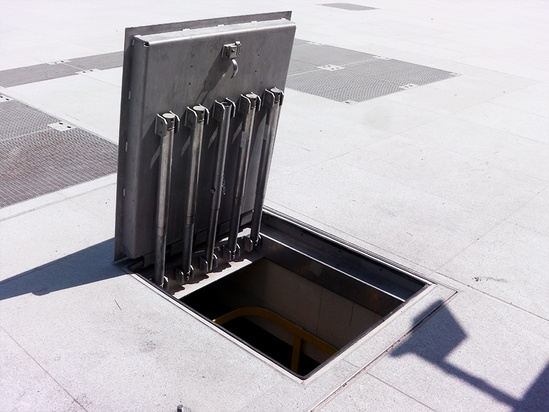 Hinged Manhole Covers : Kent hinged solo paver khsp  stainless