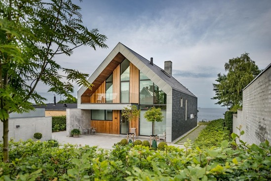 House in Fredericia, Denmark, embraces natural slate