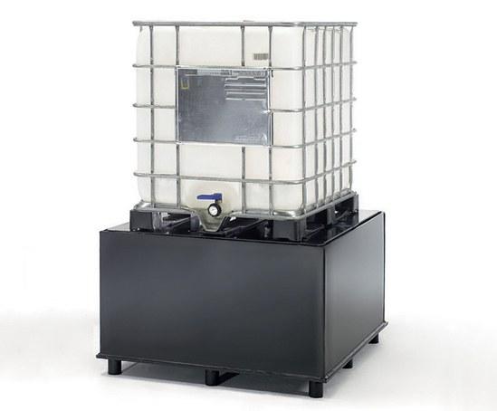 IBC reception station for liquid handling and dosing