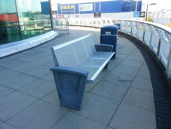 Erlau benches for west quay shopping centre southampton for Furniture quay
