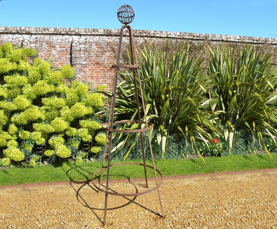 Classic garden obelisk with basket finial