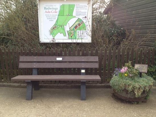 Porto recycled plastic bench