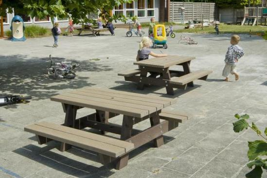 Junior recycled plastic picnic table for children