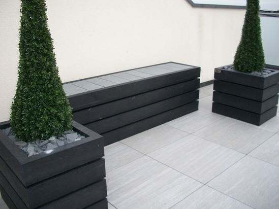 Agora recycled plastic bench