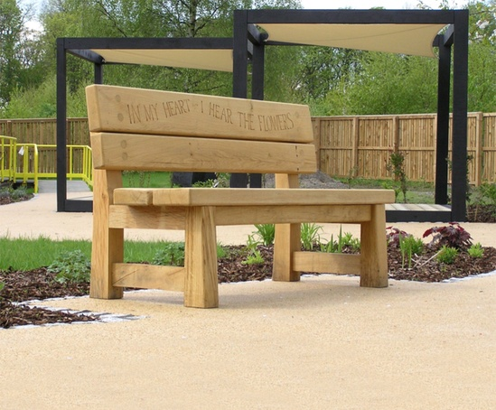 Poet bench and green oak cubes with sales