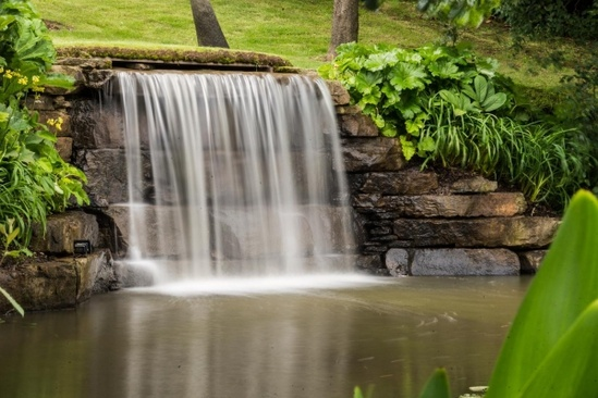 Water features for lakes and watercourses