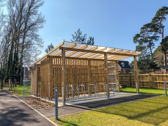 Sheldon timber-clad enclosed cycle shelter - SCS309