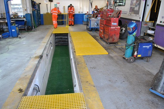Inspection pit grating