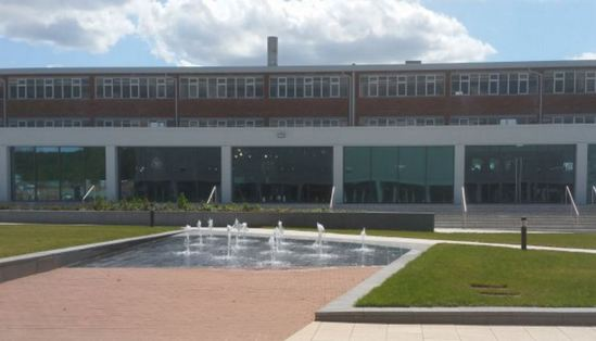 12 Bubbling Jet Water Feature For World Of Wedgwood