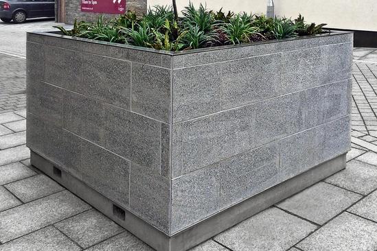 Granit-clad tree planter