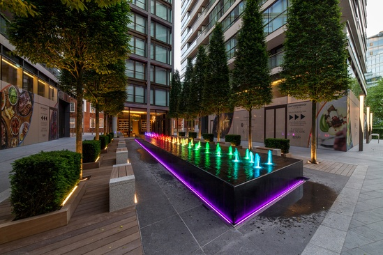 Colour-changing fountain water feature