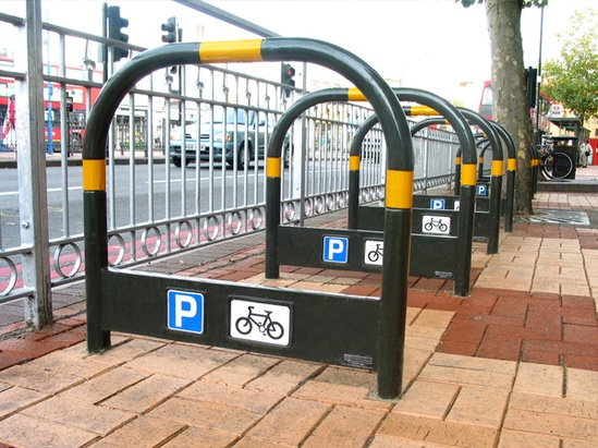 TRL600 TP YEL Transport PU cycle stand with yellow tape