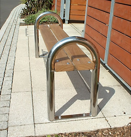 DST 6 District timber bench with stainless steel standa