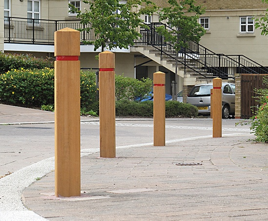 ESG125/200 Epping timber bollard with groove & red tape