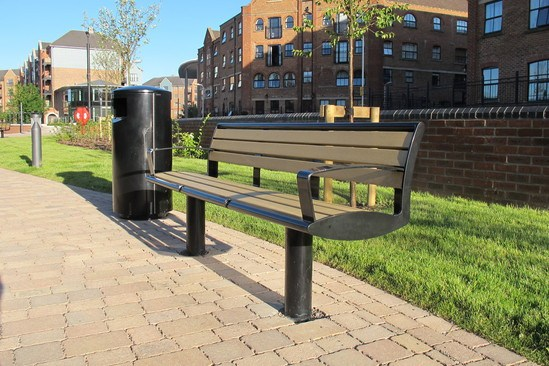 Zenith seat & litter bin, steel powder coated black