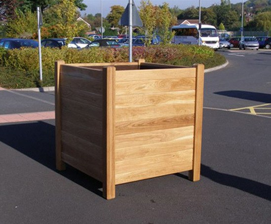 Valencia timber planter