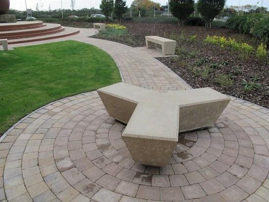 COSMOS 3 Cosmos Tri-arm concrete bench