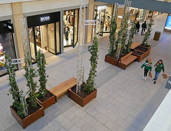 Bespoke planters with Elements XL seating range