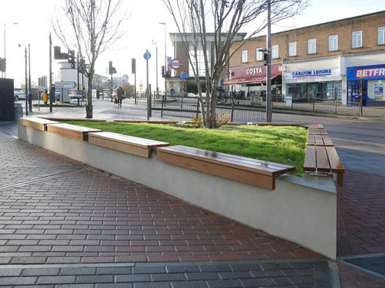Lapa wall-top seating platforms