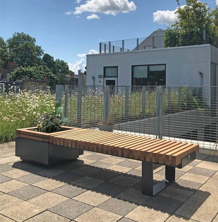 RailRoad seating and integrated planter