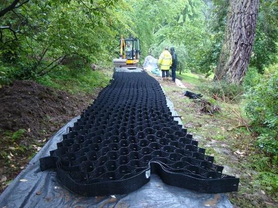Geoweb being installed