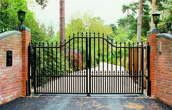 Ornamental arched top steel gates jacksons fencing esi