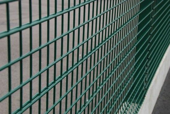 Rebound sports fencing detail