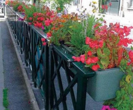 Half Barrier Basket self-watering planters