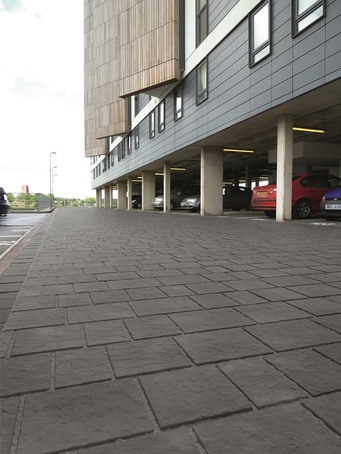 Drivesys flamed stone-effect concrete block paving