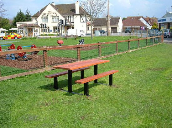 Beaufort hardwood and galvanised steel picnic table