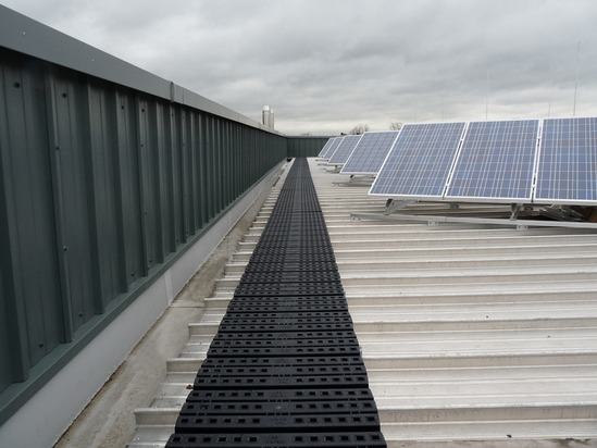 Kee Walk roof safety walkway system from Safesite