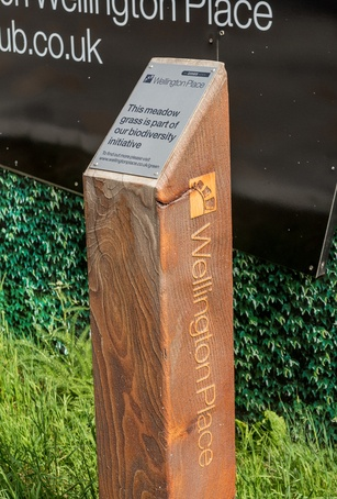 Timber waymarker post
