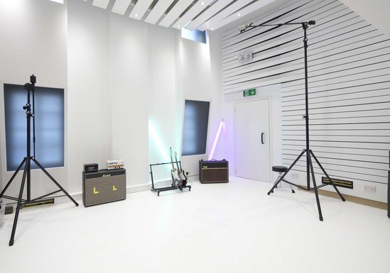 Seamless acoustic flooring system for recording studio for Music studio flooring