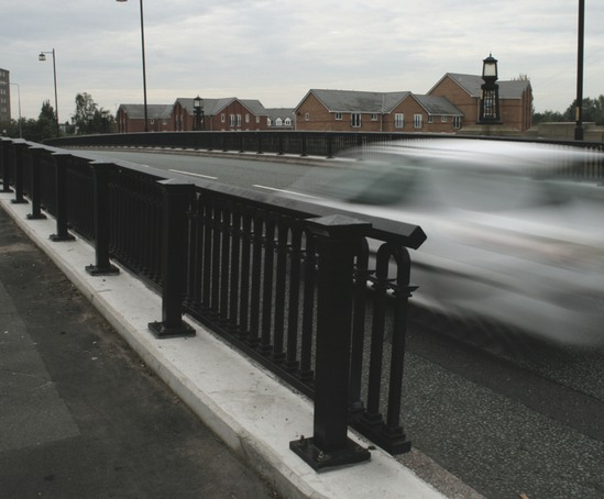 bradford post and parapet railing  kingsway bridge
