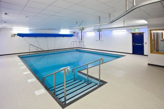 Hydrotherapy pools design build renovation london for Pool design london