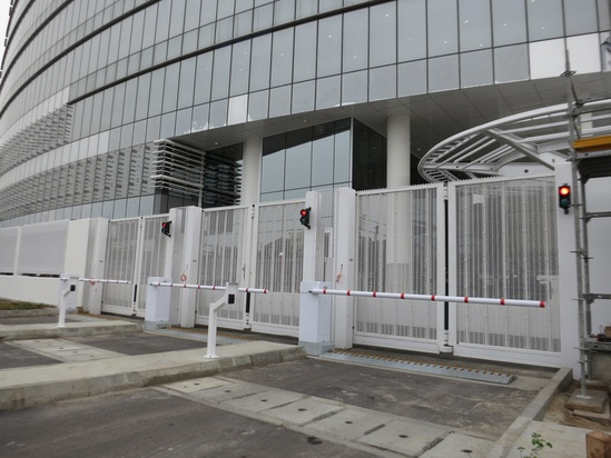 Zaun's steel mesh used in high-security gates - Nigeria