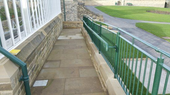 Balustrade for DDA access ramp